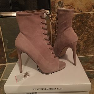 Steve Madden Suede Lace up Booties